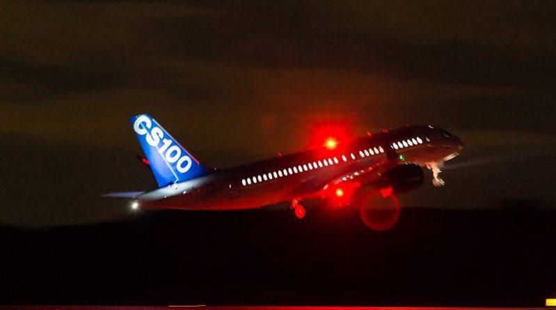 CS100 décollage de nuit