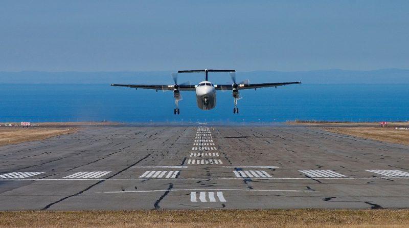Dash-8 décollant de la piste 06-24 à Mont-Joli