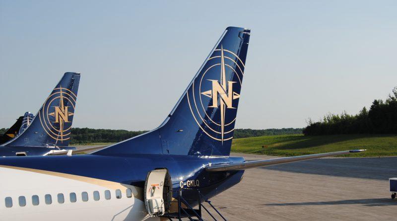 Vue du logo de Nolinor sur un B737-200