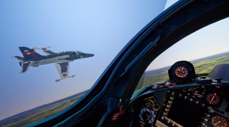 RAAF_Hawk_FMS_Formation_2
