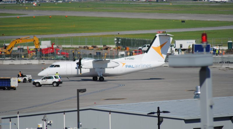Dash-8 de PAL Airlines à YUL