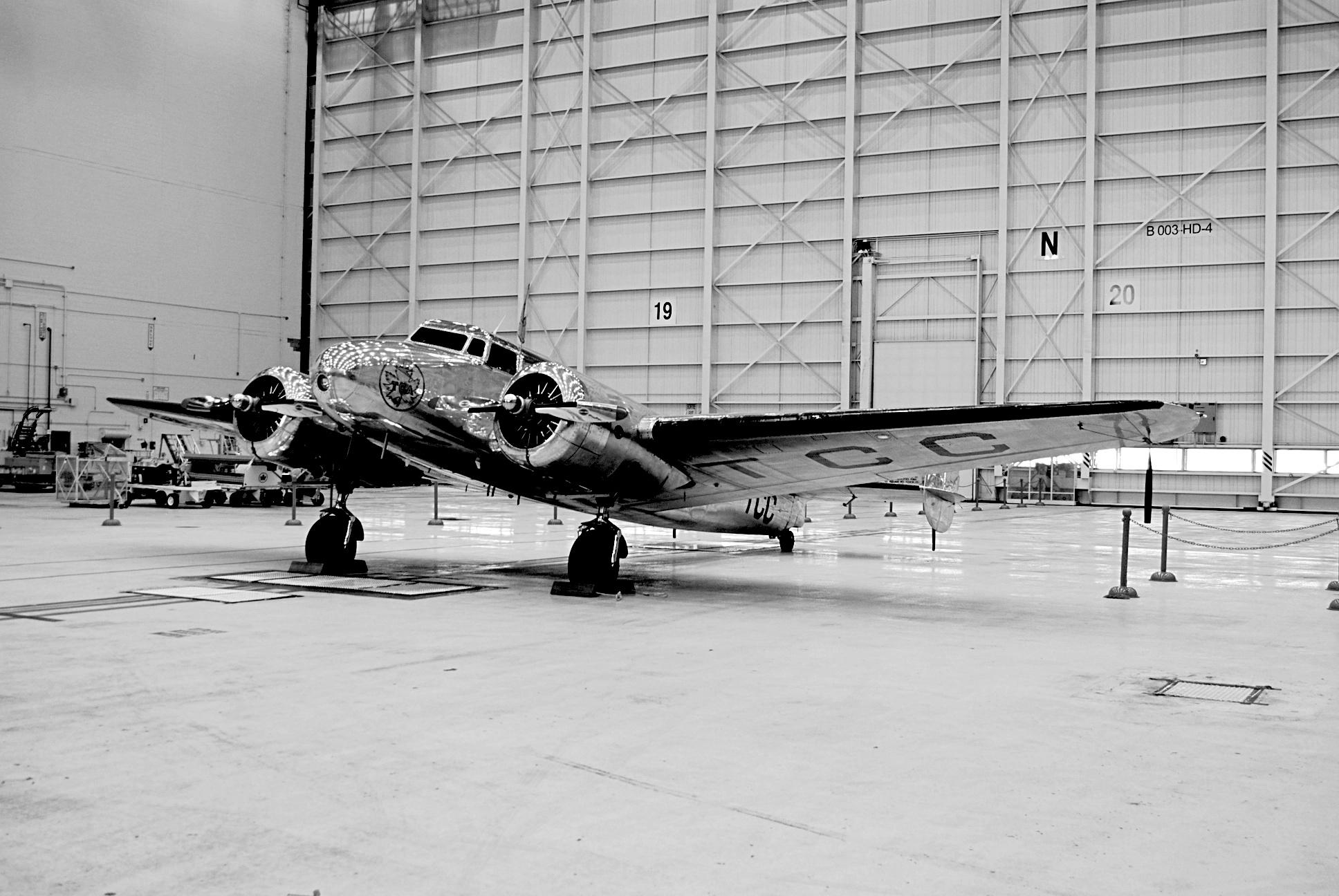 Lockheed L10A immatriculé CF-TCC de Trans Canada Airlines
