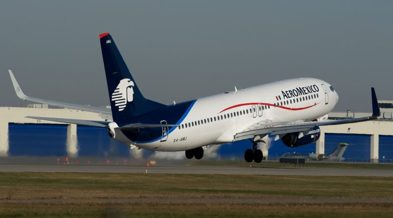 B 737-800 next Gen departing Montréal-Trudeau