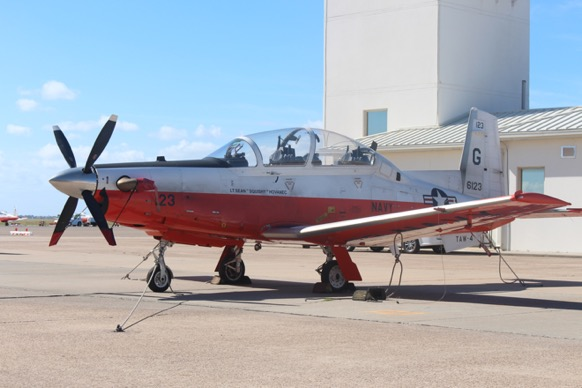L'avion T-6B Texan