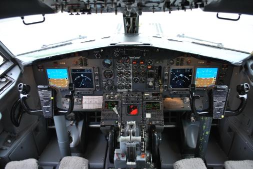 Nolinor B737-299 cockpit