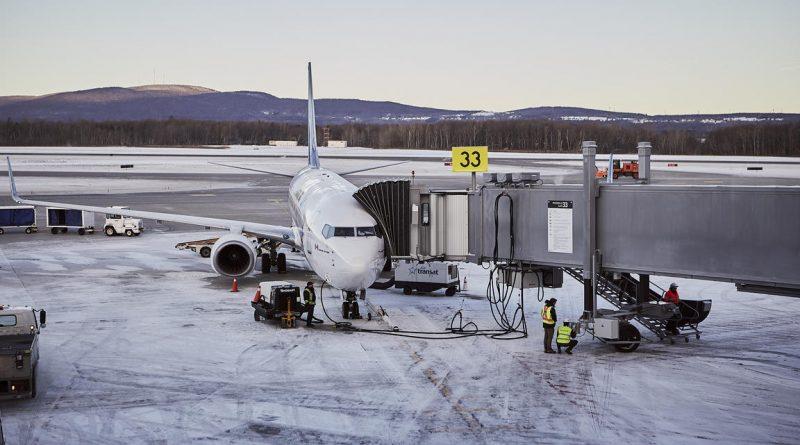 B737NG Air Transat à YQB