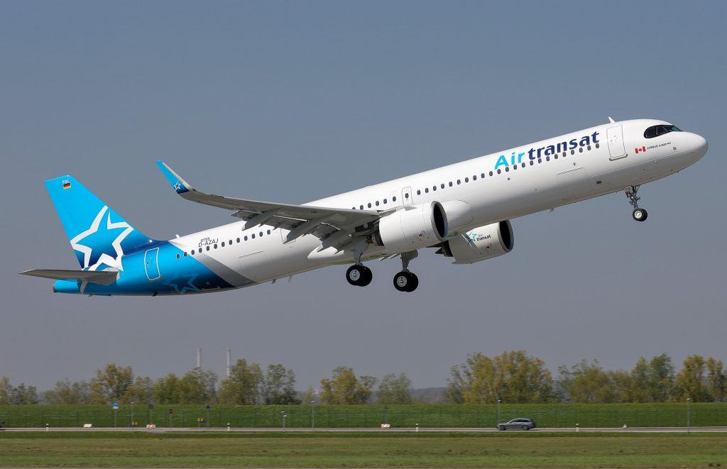 Air Transat Premier A321LR au décollage