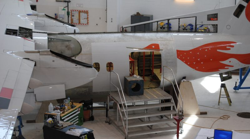 Air Inuit Dash 8-300