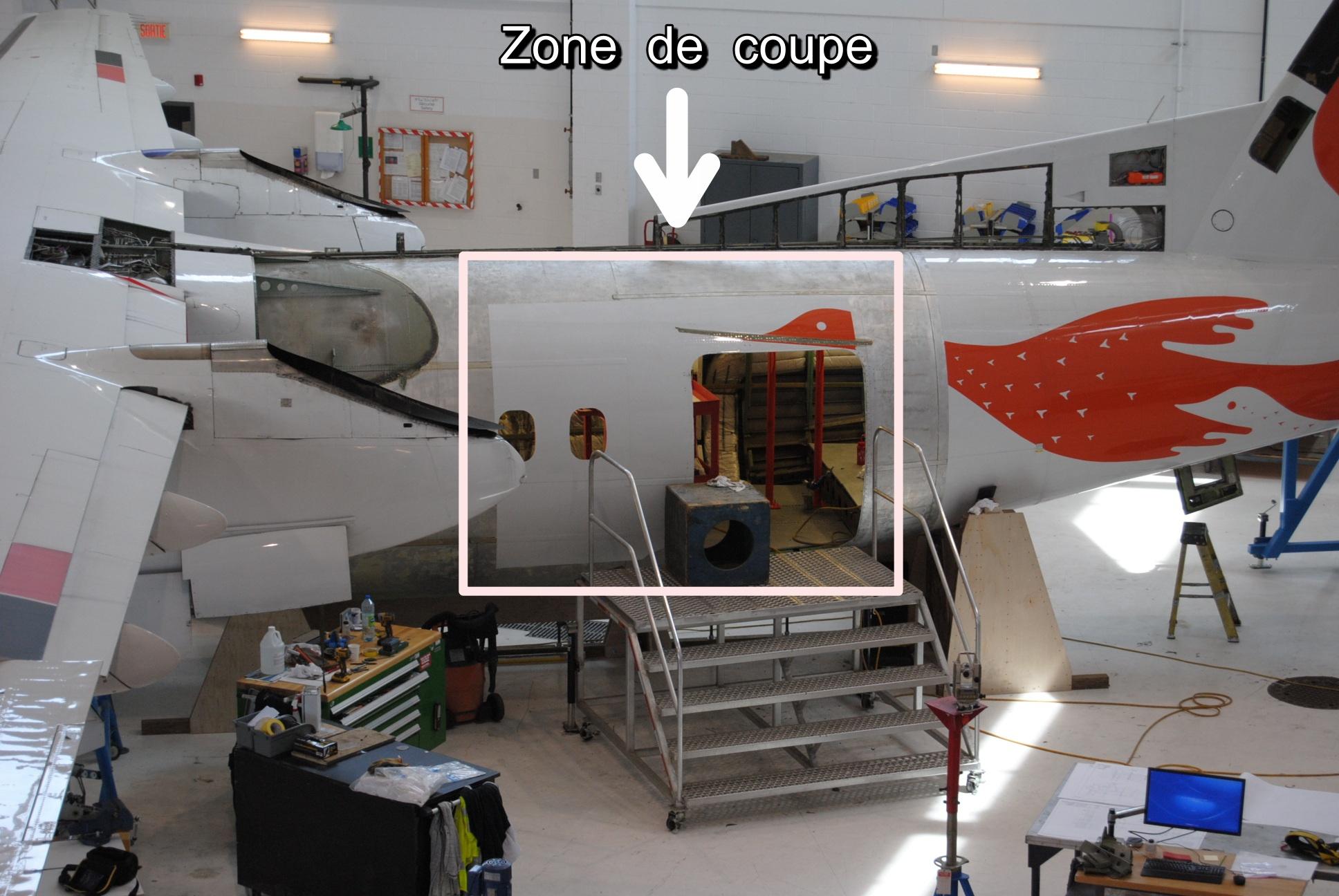 air inuit cr u00e9e et installe la premi u00e8re porte cargo sur un dash 8-300
