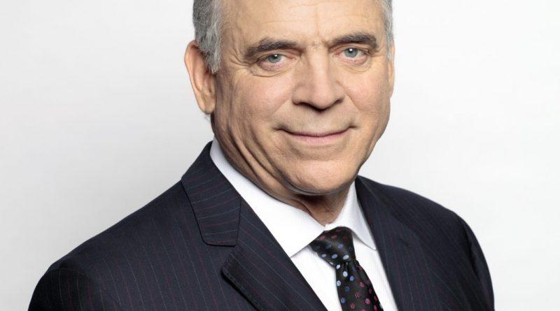 Pierre Fitzgibbon annonce un consultation sur l'aérospatiale