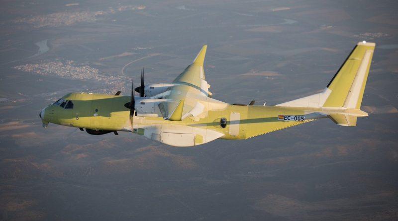 Le premier CC-295 en vol