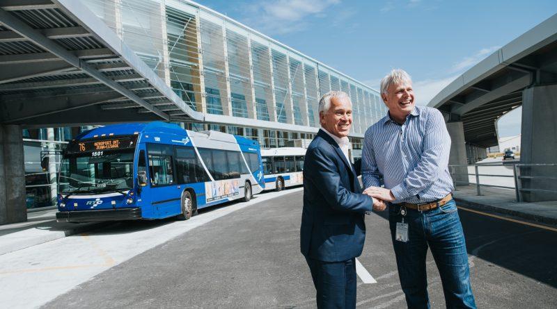 Inauguration des parcours d'autobus à YQB
