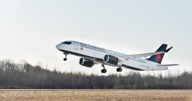 L'AéroPod et l'A220-300 d'Air Canada