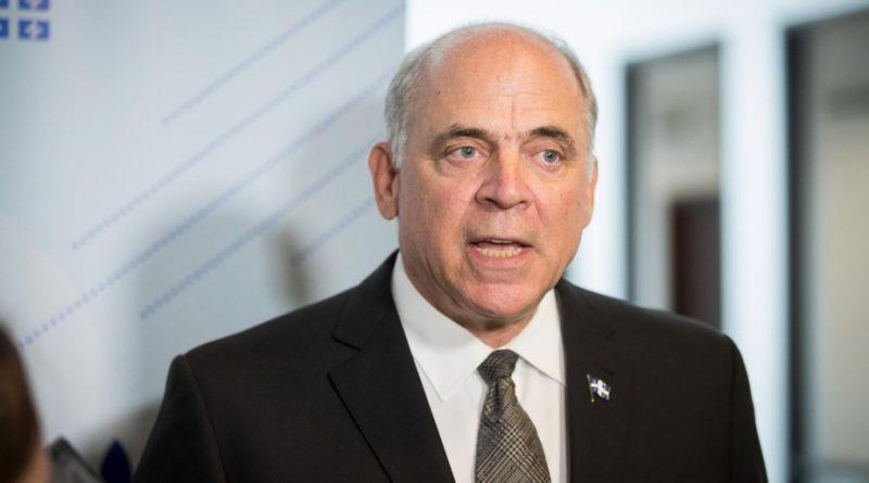 Pierre Fitzgibbon annonce une consultation sur l'industrie aérospatiale