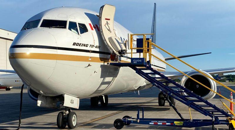 3ième 737-400 de Nolinor