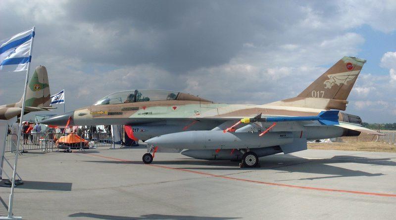 Top Aces achète des F-16