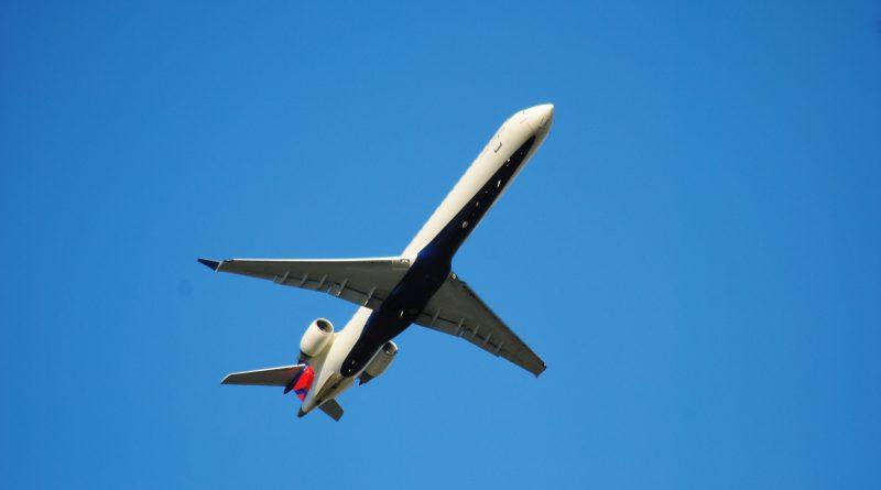 MHI RJ Aviation CRJ-900