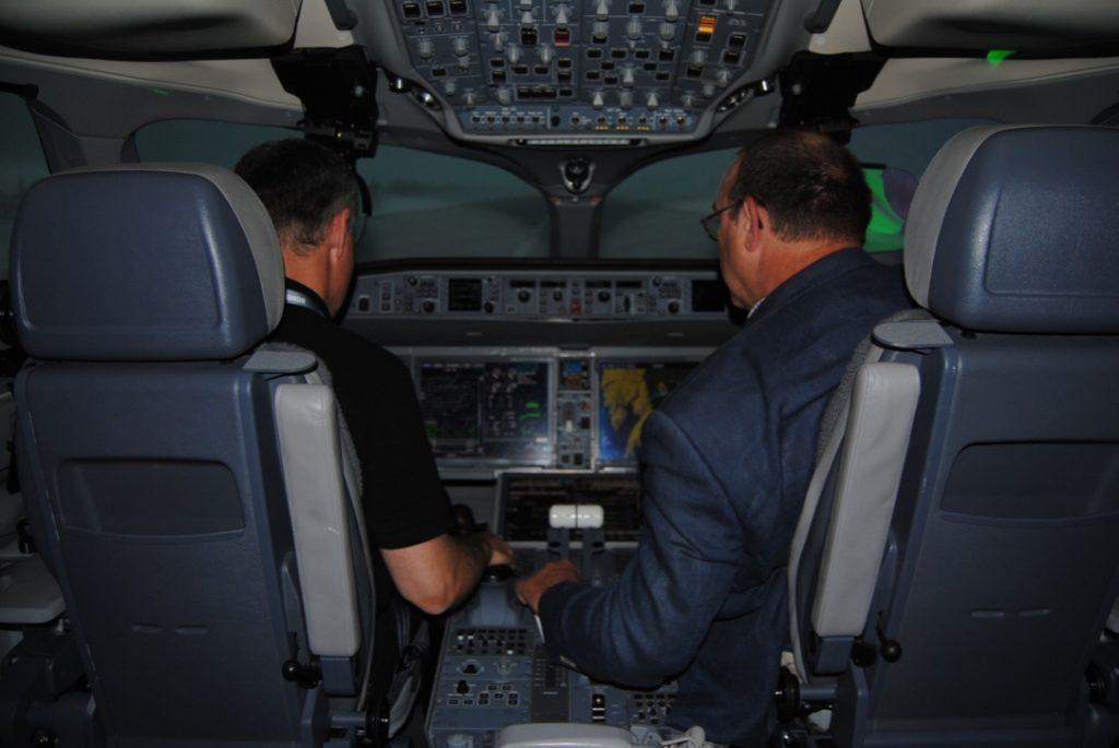Intérieur du simulateur A220
