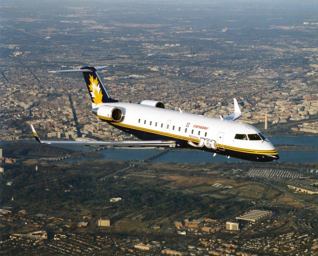 CRJ-100 en vol