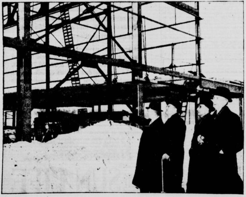 Hangar d'AC en construction La Patrie février 1941. La photo avait été fournie par Air Acanada. Source, les archives numériques de la Bibliothèque nationale