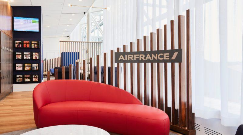 Air France salon a Montréal-Trudeau- Canapé