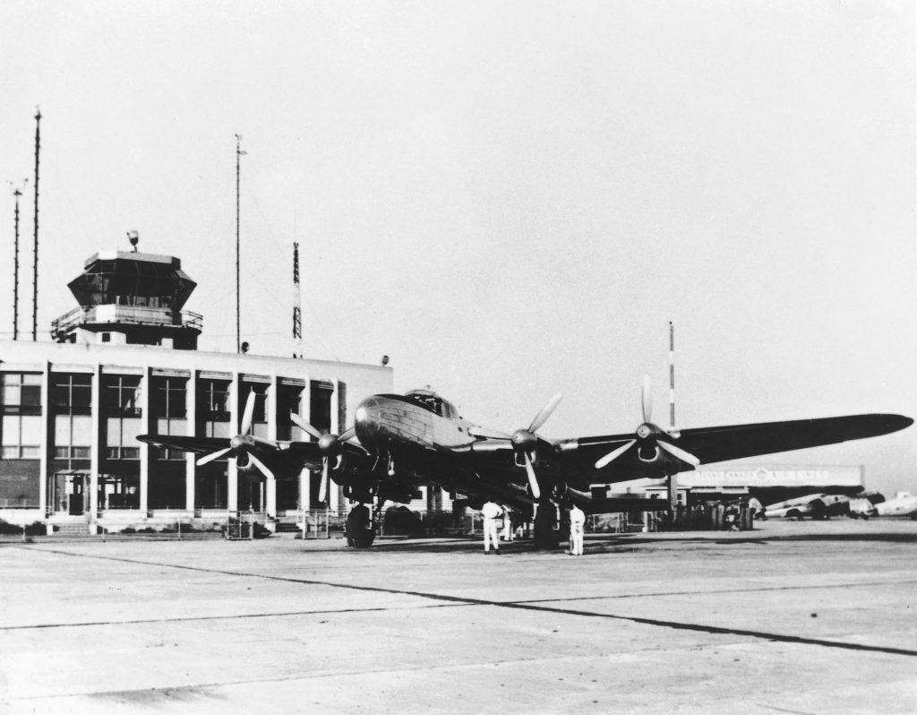 Aéroport Montréal-Trudeau dans les années 50