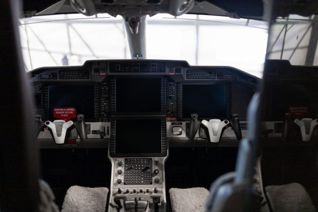 Le poste de pilotage du PC-24