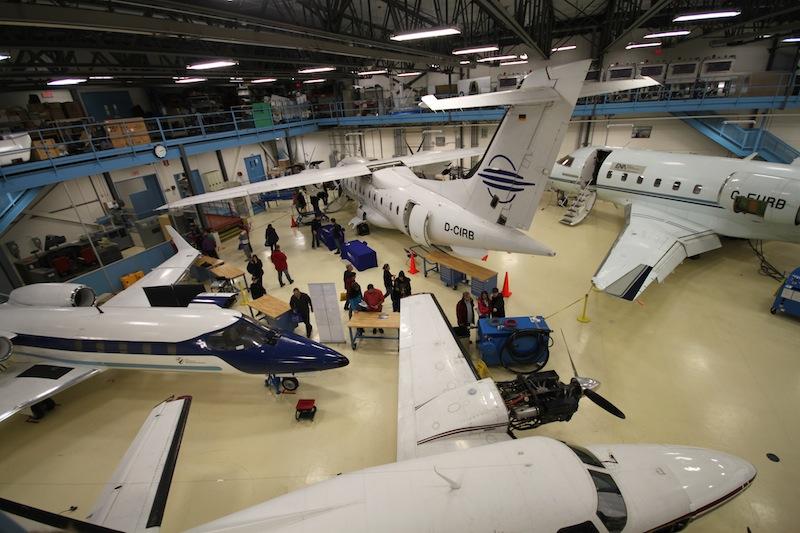 Un des hangars de l'ÉNA